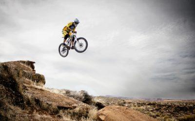 Sprung mit Fahrrad - Mountainbike